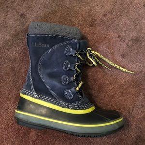 L.L. Bean EUC winter duck waterproof boots size 3